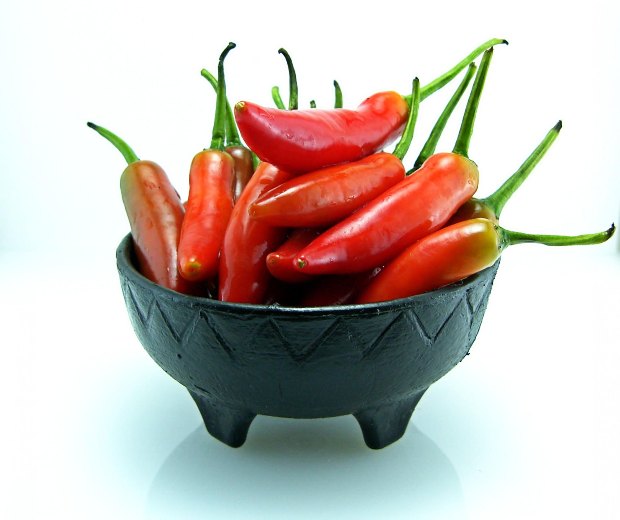 Miska plná čerstvého chilli